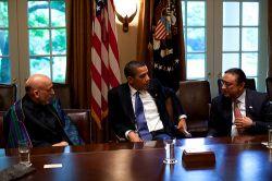 250x166-images-stories-pakistan-pete_souza-obama_karzai_zardari_6_may_09.jpg