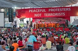 thailand-ratchaprasong_-_peaceful_protesters_not_terrorists.jpg