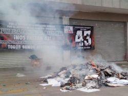 thumb oaxaca-elecciones-cnte-quema-papeleria-2 0 0